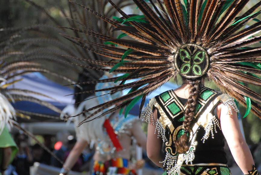 Image of Stanford Powwow dancers